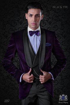 Italian velvet purple tuxedo with satin lapels. Purple Tuxedo, Grey Tux, Purple Suits, Purple Blazers, Black Tuxedo, Tuxedo For Men, Black Tie, Purple And Black, Black Velvet Fabric