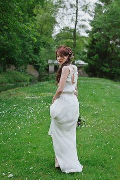 Donny top, Cannelle skirt, by Aurelia Hoang || Shooting inspiration deco mariage rouge et blanc classique chic - Harmonia Events - Photo Maria Heinish photography - - La Fiancee du Panda Blog mariage-7