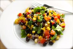 Savoir Faire: Ensalada de caraotas (frijoles) negras con maíz a la parrilla y cilantro