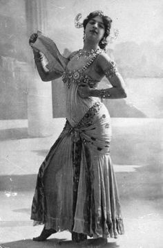 The infamous Dutch spy Mata Hari, real name Margarete Geertruida Zelle, who was born in Leeuwarden and became a dancer in France is performing the Dance of .
