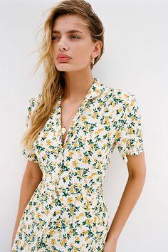 French Fashion Tips .French Fashion Tips Floral Dress Outfits, Floral Shirt Dress, Midi Shirt Dress, Fashion Dresses, Summer Outfits, Casual Outfits, Vacation Outfits, Emo Outfits, College Outfits