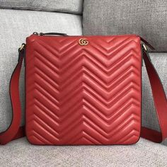 53a9789042ba Gucci GG Marmont Matelassé Chevron Leather Messenger Bag 523369 Red 2018   Guccihandbags