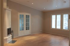 SEINÄT Tikkurilan Tunne väri -maalikartta H484 Mulperi Dream Bedroom, Room Colors, Wood Paneling, Tiles, Home And Garden, Windows, Flooring, Living Room, Wall