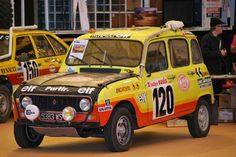 Over the decades, many crazy and strange vehicles entered the famous Paris - Dakar Rally and some of them even were relatively successful. Oasis, Rallye Paris Dakar, Megane Rs, Nissan Infiniti, Rally Car, Bugatti, Cars And Motorcycles, Race Cars, Classic Cars