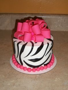 Girl birthday cakes on Pinterest | Little Girl Birthday, Birthday ...
