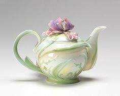 Franz Collection Iris Teapot