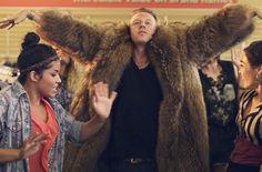 Macklemore-Ryan-Lewis-thrift-shop-