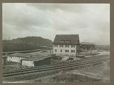 #Der #Osthafen #in #den 1920er #Jahren  #im Hintergrund #ist #noch d... #Der #Osthafen #in #den 1920er #Jahren, #im Hintergrund #ist #noch #das #Winterbergdenkmal #zu erkennen. #An #der #Stelle #des Wohnhauses #steht #heute #das #Silo. Quelle: Stadtarchiv #Saarbruecken.  #Saarbruecken / #Saarland | #Der #Osthafen #in #den 1920er #Jahren, #im Hintergrund #ist #noch d... http://saar.city/?p=70430