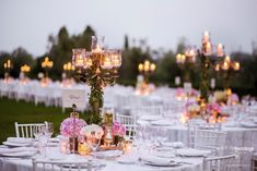 Elegant dinner tables with a perfect mix of pink + gold + green #weddingtables #weddingstyle #weddinginspiration