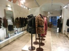 Noi Leather Wholesale and Design in Firenze, Italy. Their leather designs are spectacular!!