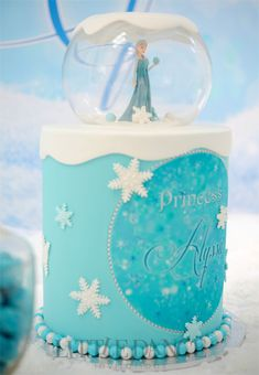 Frozen Birthday Party invitations and decor on the Blog at Little Dance Invitations.  http://www.littledanceinvitations.com.au/Blog/November-2014/Frozen-Inspired-Birthday-Party