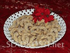 Špaldové rohlíčky šlehačkové s ořechy dia