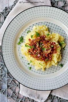 Kartoffel-Pastinake-Püree mit Zwiebel-Speck-Soße   Rezept   Kochen