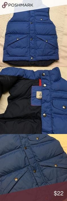 LANDS END kids down vest, like new, 8/10 Land's End down vest size small/ 8. I think it could easily be a 8/10. Could be for a boy or girl (it was my daughter's). Worn a couple times. Lands' End Jackets & Coats Vests