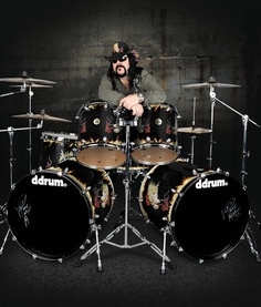 Pantera's Vinnie Paul and Ddrum's kit