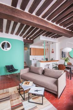 Un appartement atypique aux touches du passé Interior Design Inspiration, Home Interior Design, Interior Decorating, Red Tiles, Room Of One's Own, Mid Century House, Home Staging, Colorful Interiors, Terracotta