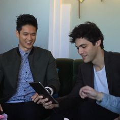 @shadowhunterstv: Harry Shum Jr and Matthew Daddario are here answering your questions on Twitter!