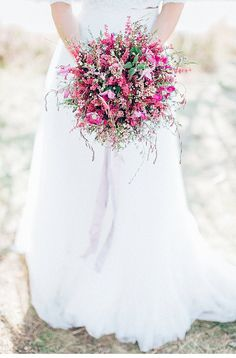Pink and purple shimmering fields as far as the eye can see – it's the swaying grass setting the tone to these natural bridal inspirations. Blush Pink Weddings, Romantic Weddings, Elegant Wedding, Dream Wedding, Blush Wedding Stationery, Pink Wedding Invitations, Fine Art Wedding Photography, Fine Art Photo, Bridal Headpieces