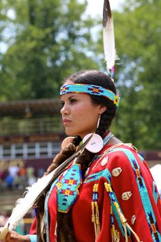 Pow wow at Cherokee Indian Reservation in North Carolina . Native American Cherokee, Native American Girls, Native American Regalia, Native American Beauty, Native American Photos, Native American History, Cherokee Woman, Cherokee Indian Women, Cherokee Indians