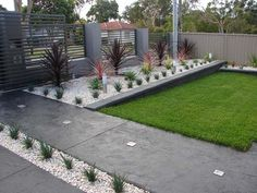 Small easy modern front yard landscaping ideas on a budget Pictures
