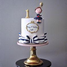 """m u t l u d ü k k a n 在 Instagram 上发布:""""Darling 🎈 #mutludukkan #sekerhamuru #butikpasta #sugarart"""" Girly Cakes, Fancy Cakes, Fondant Cakes, Cupcake Cakes, Bolo Cake, Baby Birthday Cakes, Just Cakes, Drip Cakes, Sugar Art"""