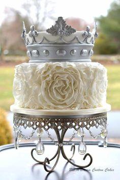Crowning Glory - Cake by Elisabeth Palatiello