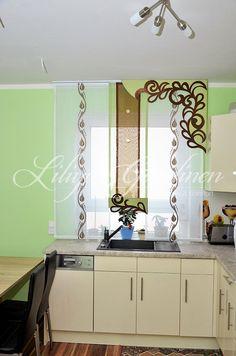 Heller Stufenvorhang für Küche in grün und weiß