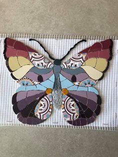 Mosaic Tray, Mosaic Tile Art, Mosaic Artwork, Mosaic Crafts, Mosaic Projects, Mosaic Glass, Butterfly Mosaic, Mosaic Flowers, Free Mosaic Patterns