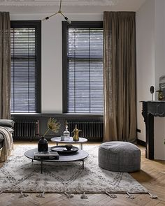 Looking to buy Curtains Online in Australia? Shop with QuickFit Blinds & Curtains today for a beautiful, high-quality range of curtains at affordable prices. Style At Home, Store Venitien, Custom Made Curtains, Curtain Styles, Window Styles, Curtains With Blinds, Sheer Curtains, Home And Living, Interior Inspiration