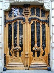 Paris, France: 151 Rue de Grenelle: door (art nouveau, 1898, architect Jules Lavirotte)