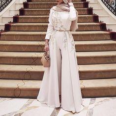 "11.2k Likes, 64 Comments - Hijab Fashion Inspiration (@hijab_fashioninspiration) on Instagram: ""@sohamt"""