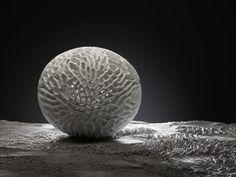 Pollen art objects from the artist IV for the AMOS Design Organic Sculpture, Modern Sculpture, Corian Dupont, Corian Solid Surface, Organic Structure, White Texture, Art Object, Sculpting, Milan