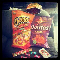 hot cheetos , hot cheeto puffs , kitkat , twix , doritos flamas , chewy jolly ranchers