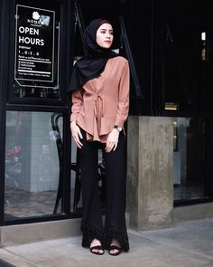 "7,472 Likes, 37 Comments - AGHNIÁ (@aghniapunjabi) on Instagram: ""Ethnic pants @humairabybillah ✨"""