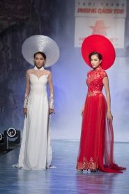 Áo dài cưới | Áo dài hỏi |  Áo dài truyền thông | Áo dài cách tân | Áo Dài Liên Hoàng Indian Fashion Dresses, Ao Dai, Vietnam, Formal Dresses, Dresses For Formal, Formal Gowns, Formal Dress, Gowns, Formal Wear