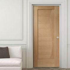 Bespoke Emilia Oak Flush Door with Stepped Design. #internalbespokedoor #flushdoor #moderndoor