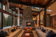 Secluded mountain modern home in Martis Camp surrounded by forest Living Room Bar, Cottage Living Rooms, Living Room With Fireplace, Living Room Designs, Living Area, Ideas Cabaña, Raised House, Modern Mountain Home, Family Room Design