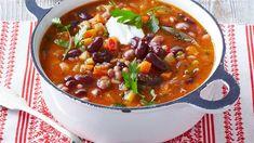 Brezmesna jed na žlico, ki ne razočara, nasiti in prijetno ogreje. Chili, Soup, Lunch, Chile, Eat Lunch, Soups, Chilis, Lunches