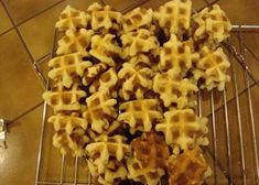 Recipe Waffles (hard version) by KennyS - Petitchef Waffle Cookies, Spaghetti Recipes, Waffle Recipes, Food Facts, Healthy Baking, High Tea, Cupcake Cakes, Cupcakes, Dessert Recipes