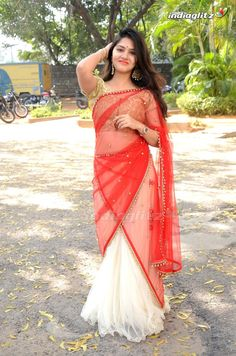Indian celara lady malayali lady body to body massage Abu Dhabi Beautiful Girl Photo, Beautiful Girl Indian, Most Beautiful Indian Actress, Beautiful Saree, Indian Girl Bikini, South Indian Actress Hot, Indian Girls Images, Saree Models, Saree Look