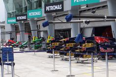 Round 2, Petronas Malaysian Grand Prix 2013, Preview, Track Atmosphere, Pit Lane
