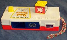 Toys - Fisher Price Pocket Camera I remember playing with one of these a lot! I loved it! My Childhood Memories, Childhood Toys, Sweet Memories, Fisher Price Toys, Vintage Fisher Price, Nostalgia, Old School Toys, School Stuff, Retro Toys