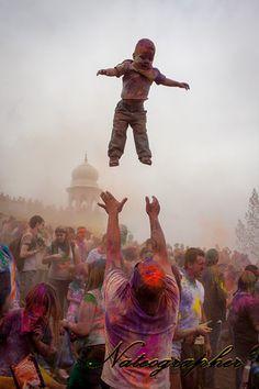 Holi (Whee, I can fly...)