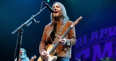"Hear Blackberry Smoke's Driving New Song 'Best Seat in the House'  ||  Blackberry Smoke have released ""Best Seat in the House,"" a new song from their forthcoming LP 'Find a Light.' https://www.rollingstone.com/country/news/blackberry-smokes-best-seat-in-the-house-hear-new-song-w516873?utm_campaign=crowdfire&utm_content=crowdfire&utm_medium=social&utm_source=pinterest"