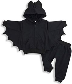 Discover recipes, home ideas, style inspiration and other ideas to try. Baby Halloween Outfits, Halloween Snacks, Girl Halloween, Goth Baby Clothes, Babies Clothes, Black Clothes, Bat Costume, Costume Halloween, Baby Bats