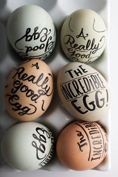 How to Make Hard-Boiled Eggs (Yes, There's a Super-Easy Way) - Bon Appétit- Easter inspiration (writing on eggs Hoppy Easter, Easter Eggs, Easter Tree, Easter Bunny, Art D'oeuf, Diy Ostern, Egg Art, Blog Deco, Egg Decorating