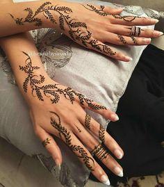 Henna Hand Designs, Mehndi Designs Finger, Pretty Henna Designs, Arabic Henna Designs, Mehndi Designs For Fingers, Mehndi Art Designs, Henna Tattoo Hand, Henna Mehndi, Hand Tattoos