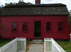 Visiting Old Sturbridge Village in the height of foliage season is absolutely beautiful! I recently had the chance go back in time and visit.