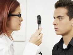 Los ojos: una ventana al mal de Alzheimer Un simple examen ocular podría bastar para diagnosticar el Alzheimer décadas antes.