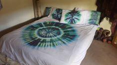Tie dyed bedding by Australian Artist Clair Sol Single Duvet Cover, Duvet Cover Sets, Duvet Sets, Tie Dye Bedding, King Size Sheets, Cot Sets, Tie Dye Crafts, Shibori Tie Dye, Teen Room Decor
